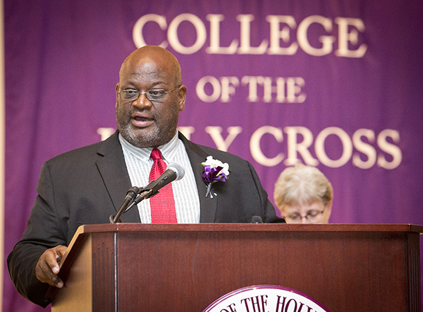 Rev. John H. Vaughn '82 offers remarks after receiving the 2015 Sanctae Crucis Award. Image by Shannon Power Photography